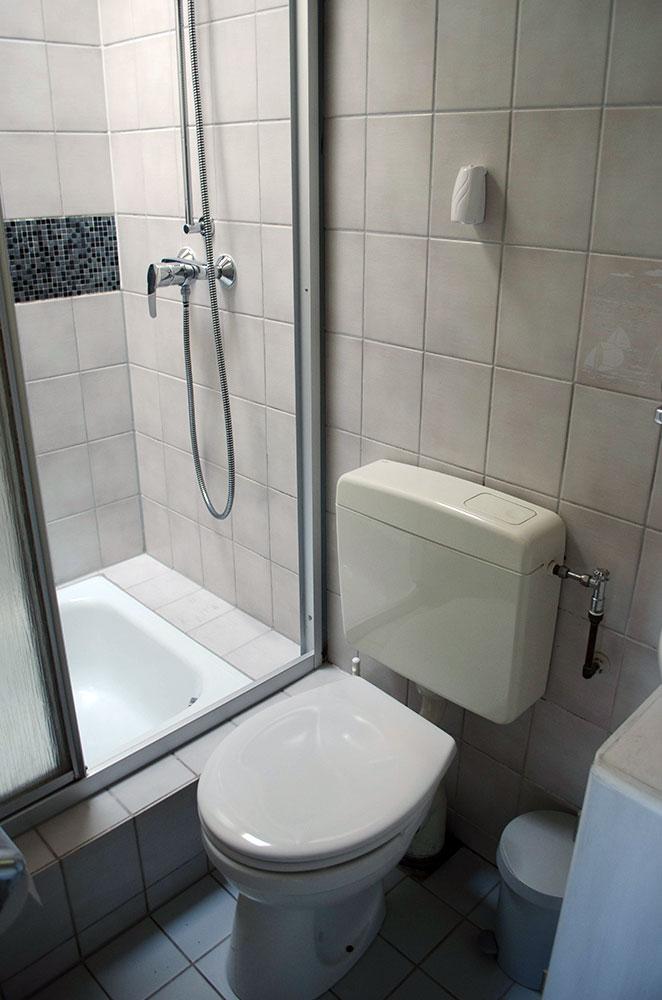 bad wc haus in holland. Black Bedroom Furniture Sets. Home Design Ideas